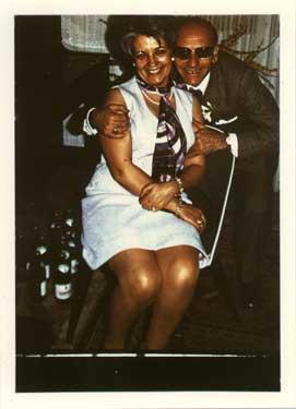 Restauración de fotos. Fotografía con ligeros daños. Original año 1965